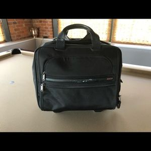 Tumi Laptop Briefcase Roller Bag - Expandable!